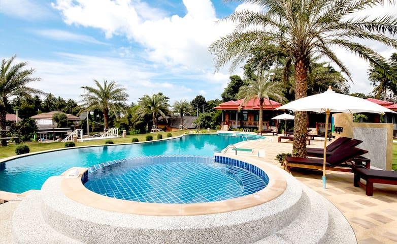 A Lapaya Sea Breeze 3 Roomed Villa DT80