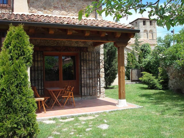 Dream house 2/4 pers 17km Segovia   - Sotosalbos