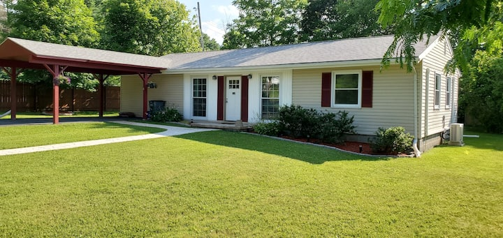 Comfortable  ranch house in Boalsburg  Pa.