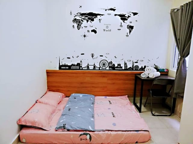 ^ YoYoHome ^Can Fit 6Guest+Near Klia+WIFI 100Mbps