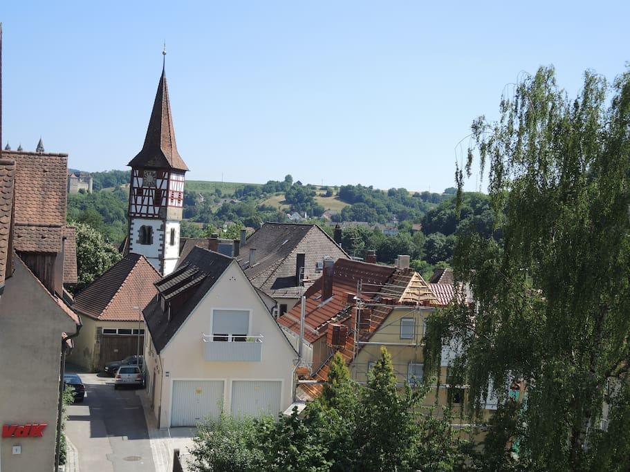 Blick Richtung Urbanskirche und Großcomburg im Hintergrund