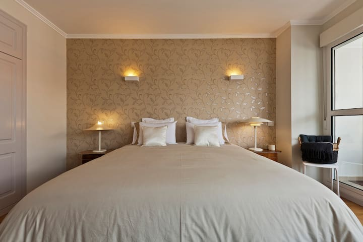 Room 1 - King Size Double Bed
