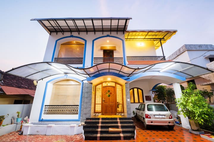 Luxurious  | Home Stay | Kochi