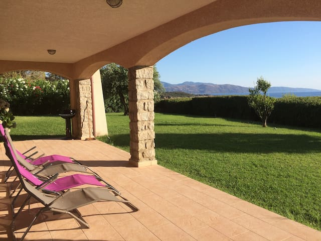 Superb rental- Sea view 3 minutes from the beach.