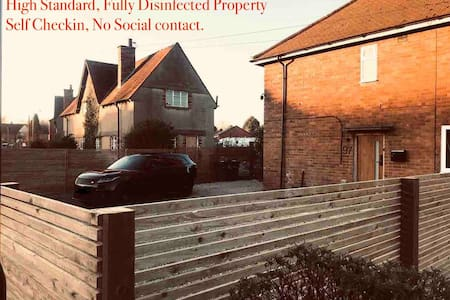 Modern 4 Bed house NEC, AIRPORT, CONTRACTORS