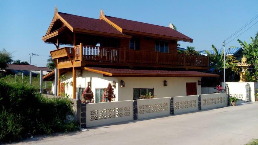 Mike`s Thai House ( Baan-u-sabai ) - Cha Am - Dům
