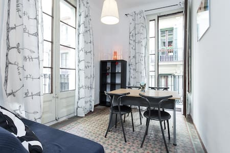 Ramblas and Gotic Great apartment!