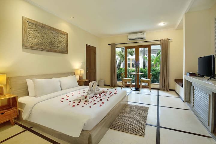 A SUITE GARDEN BDR AT PRIVATE VILLA SEMINYAK