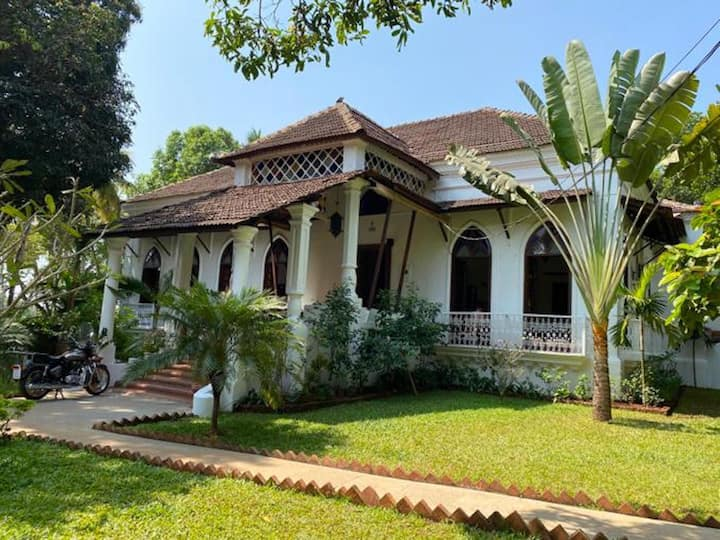 VILLA LOU GOA Exclusive Use Portuguese House pool