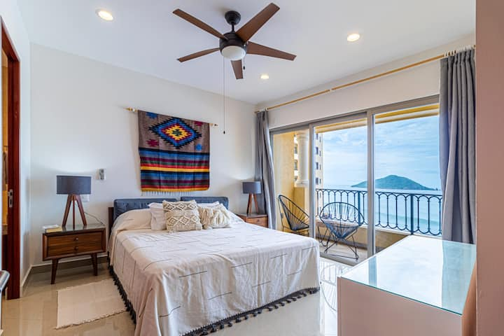 Condo VISTA AL MAR Las Gavias Grand (Long Stay)