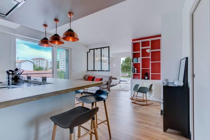 Mariposa -  Bright 2bedroom apt /Romantism & Design in Biarritz / parking