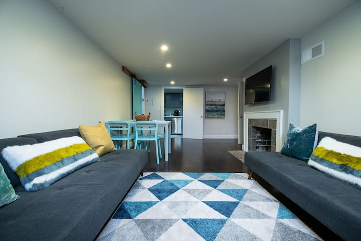 Lower Level Teal Cottage
