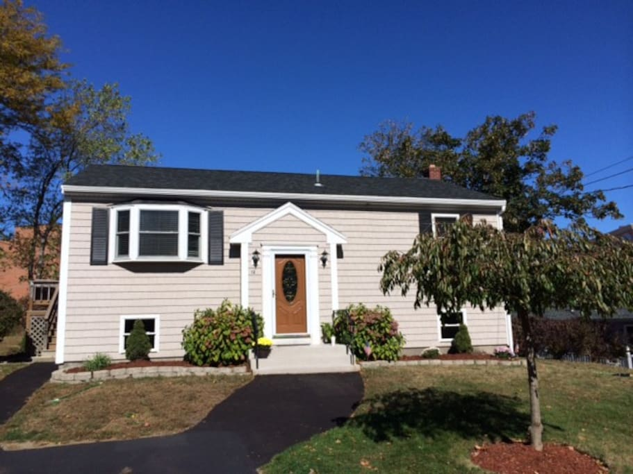 3 Bedroom Guest House Steps Away From The Beach Houses For Rent In Hull Massachusetts United
