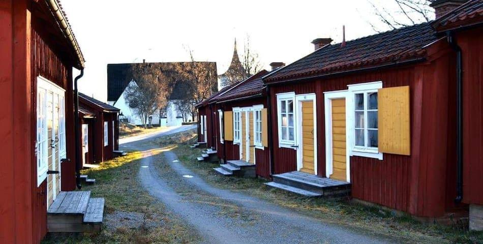 Lövånger kyrkstad - bo i unik 1700-tals kyrkstad