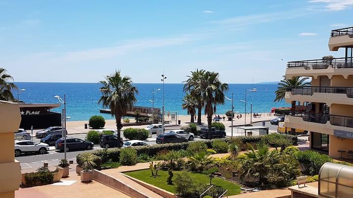 Fréjus plage appartement terrasse pleine vue mer