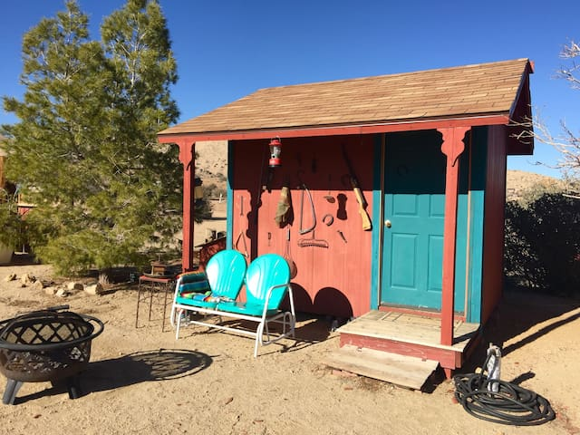 A Room With A View - Pioneertown - Cabana