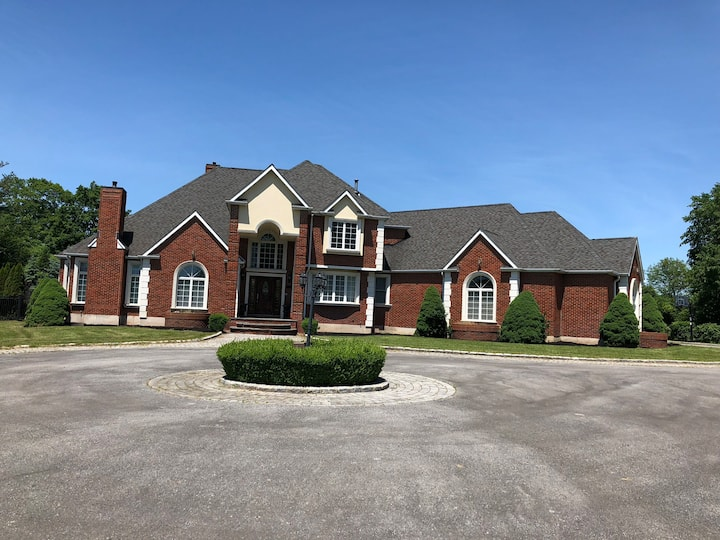LUXURY MANSION  HSE 6BR STE & 8.55 BTH GOSHEN NY