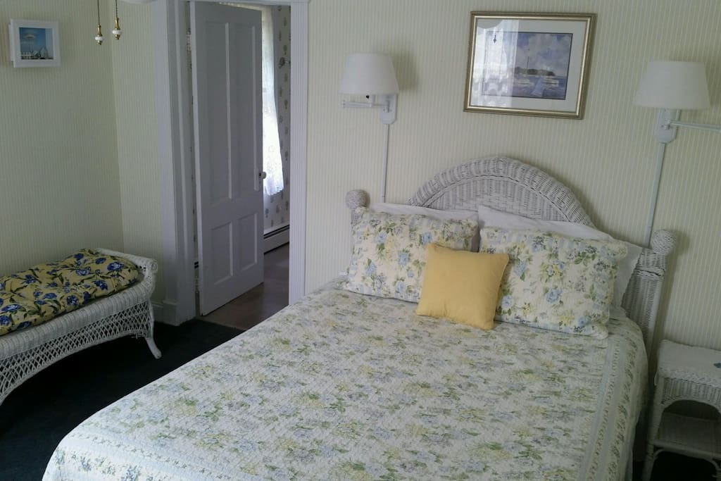 Bright and sunny, the Heather room is located in the front of the house on the first floor. This room has a large private bath.