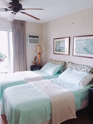 Lovely master bedroom with private bathroom - 호놀룰루(Honolulu)