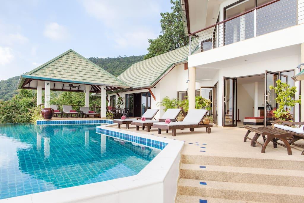 Samui Sunset Pavilions Pool deck