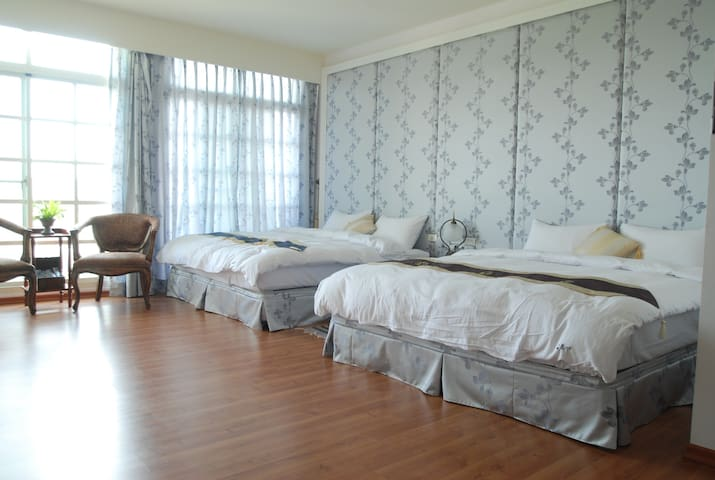 LKBNB  #502紫花蔓藤四人房 - Lugang Township - Bed & Breakfast
