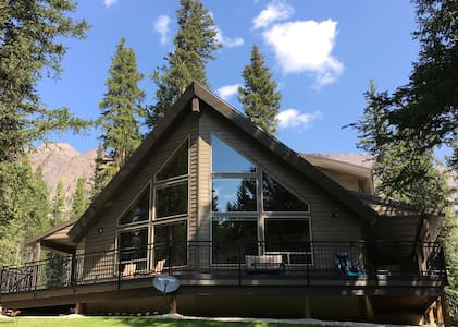 Creekside at Yellowstone, Year-Round Luxury Home - Haus