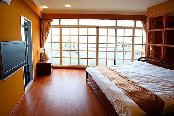 鹿港住宿  #505環遊世界二人房 - Lugang Township - Bed & Breakfast