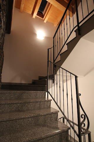 Scala interne di accesso agli appartamenti