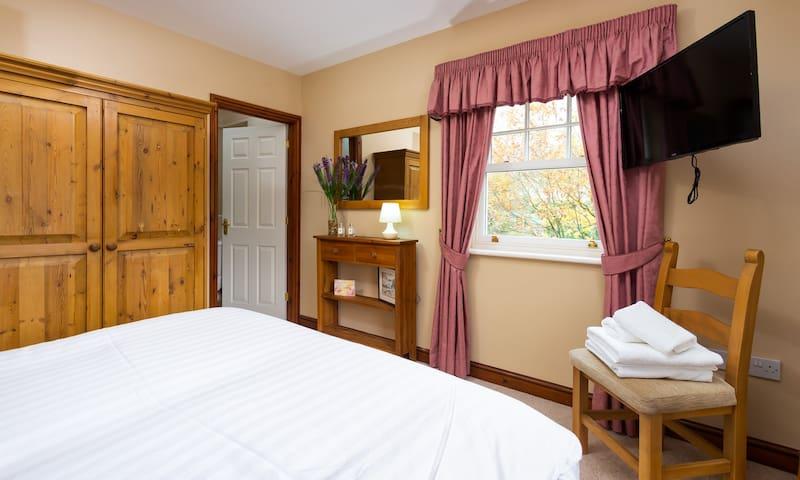 Bedroom 2 1st Floor Double