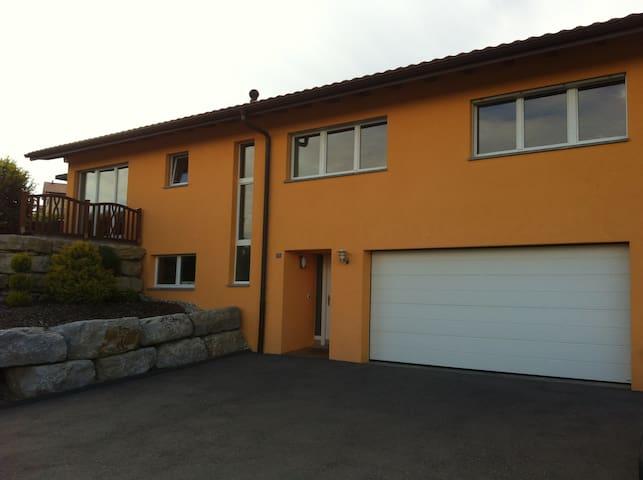 Maison moderne et spacieuse à 5mn du Lac