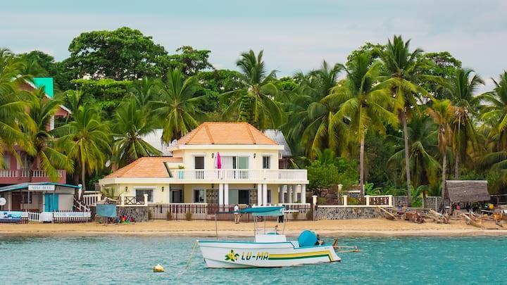Villa bord de mer, Madirokely