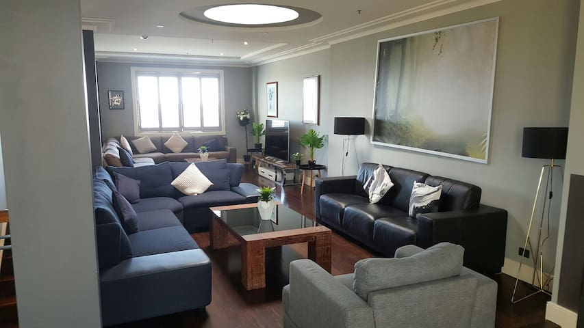4BR darling harbour penthouse with free parking - Sydney - Apartment