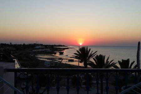 Vue panoramique sur la mer - Houmt Souk - Apartamento
