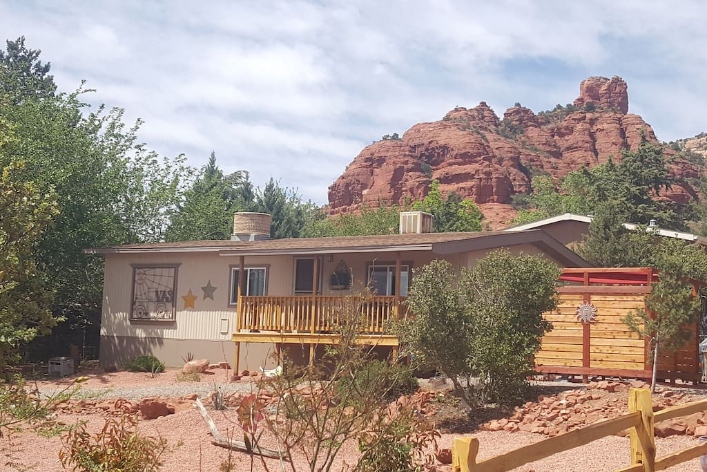 Come explore Thunder Mountain and enjoy a beautifully remodeled private home!