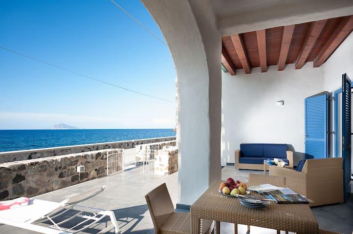 Appartamento sul mare a Lipari