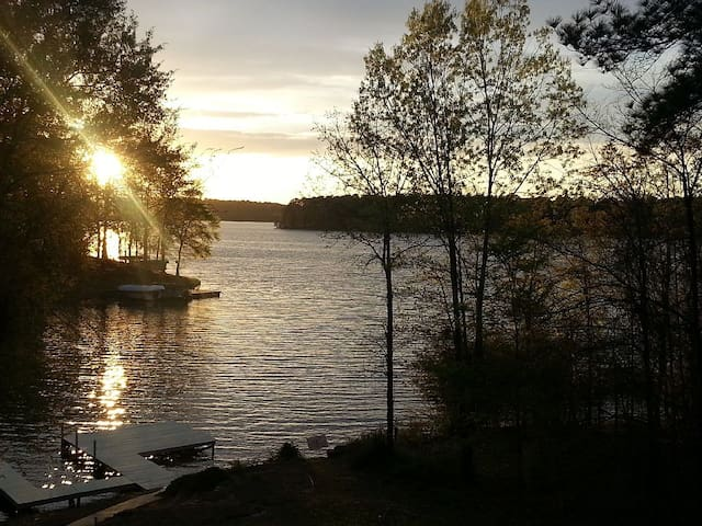 Lake Home with Amazing Sunsets - Eatonton - Rumah
