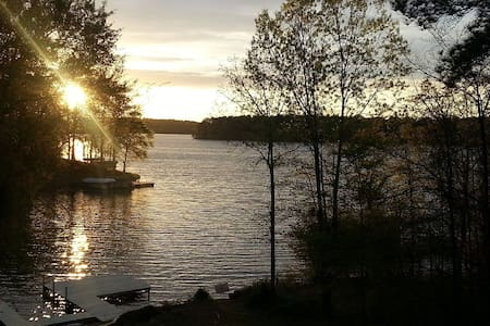 Lake Home with Amazing Sunsets - Eatonton - Haus