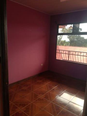 Casa cómoda y privada Roble Puntarenas
