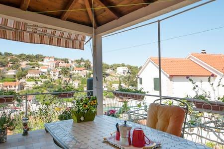 Apartments Gorana -1 Bedroom w/ Terrace & Sea View