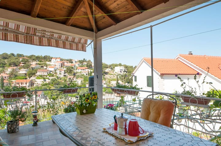 Apartments Gorana -1 Bedroom w/ Terrace & Sea View