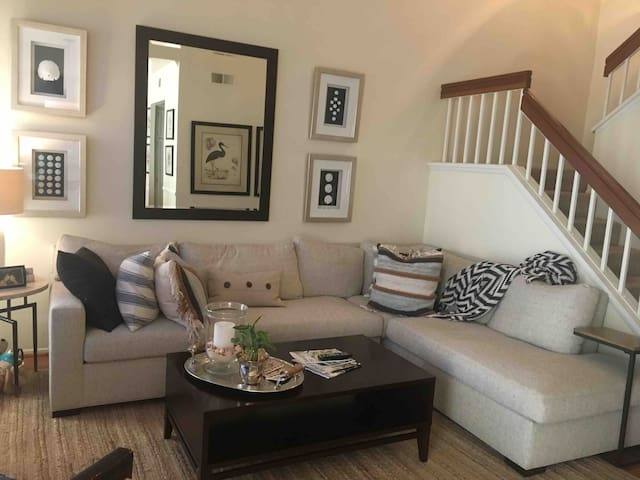 Beautifully decorated Del Mar Beach Town Home