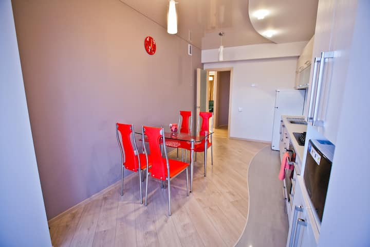 Warm apartment in Center area near National hotel