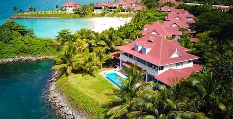 Luxury private villa on Eden Island