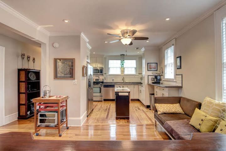 Restored Historic Apartment: Quiet Downtown Street