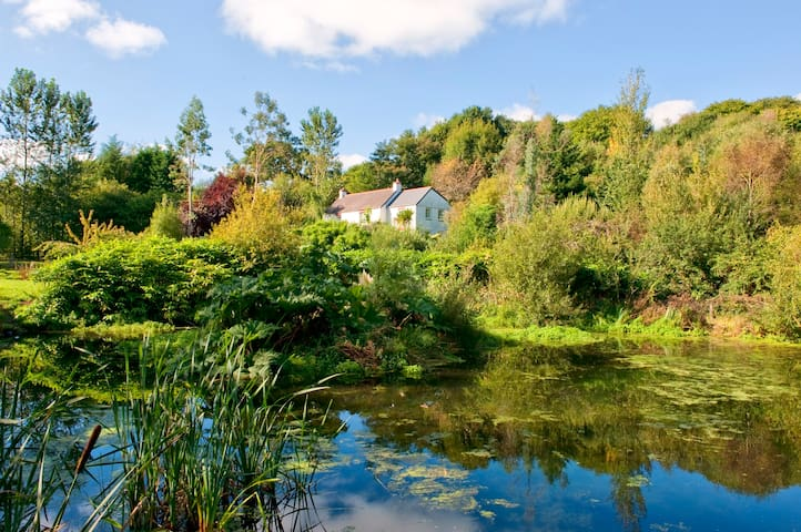 Ideally located farmhouse among ponds and wood