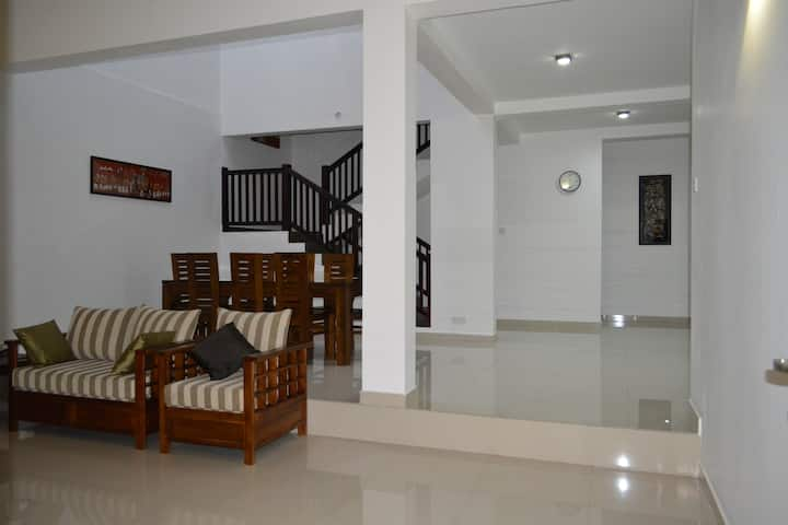 Colombo Holiday Home - Three96