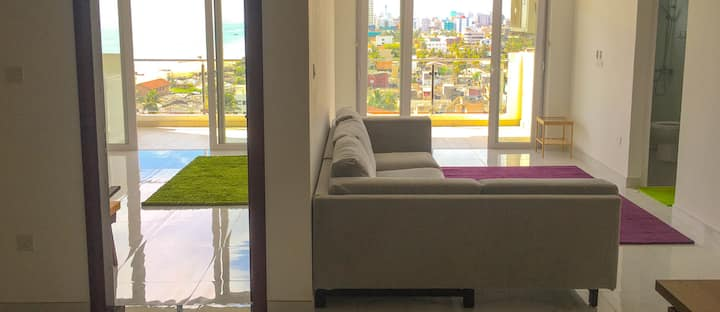 Luxury Top Floor Apartment with Sea Views and Pool