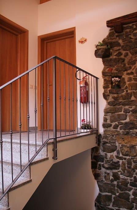 Scale di accesso agli appartamenti