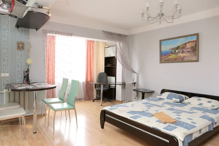 Luxury apartment Studio, metro KPI - Kiova