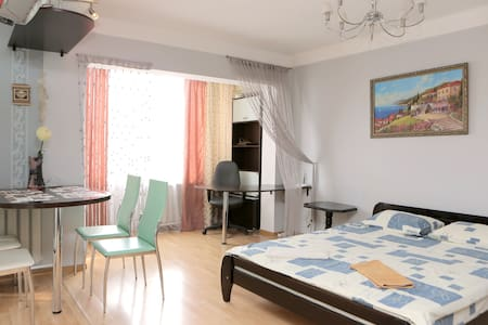 Luxury apartment Studio, metro KPI - Kiev - Apartemen